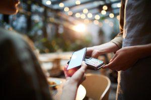 El móvil consolida su ascenso en las plataformas de pago